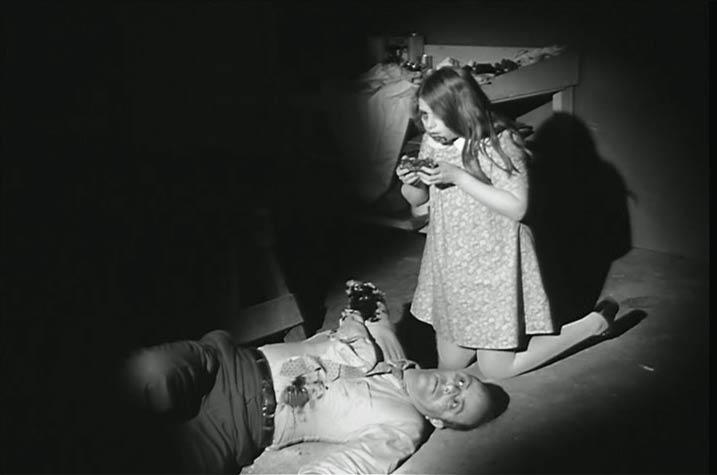 Kyra Schon en La noche de los muertos vivientes